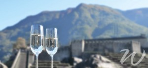 champagne on the great wall, travel style