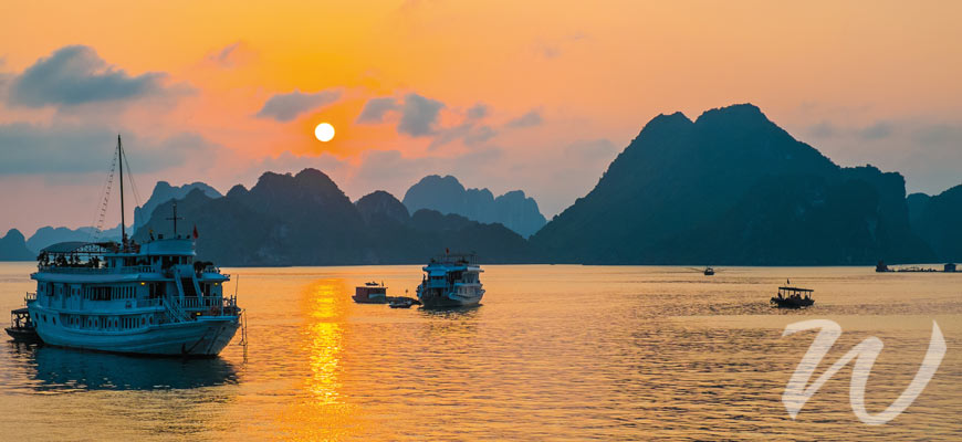 Sunrise in Halong Bay