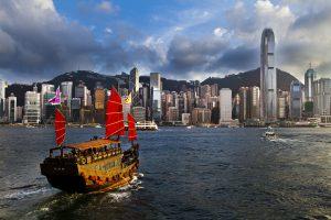 Victoria Harbour, Hong Kong, Hong Kong vs Singapore