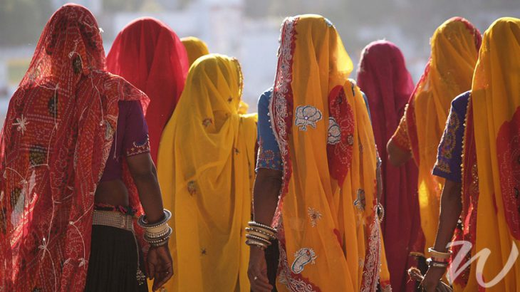 Colourful Saris, india's must see