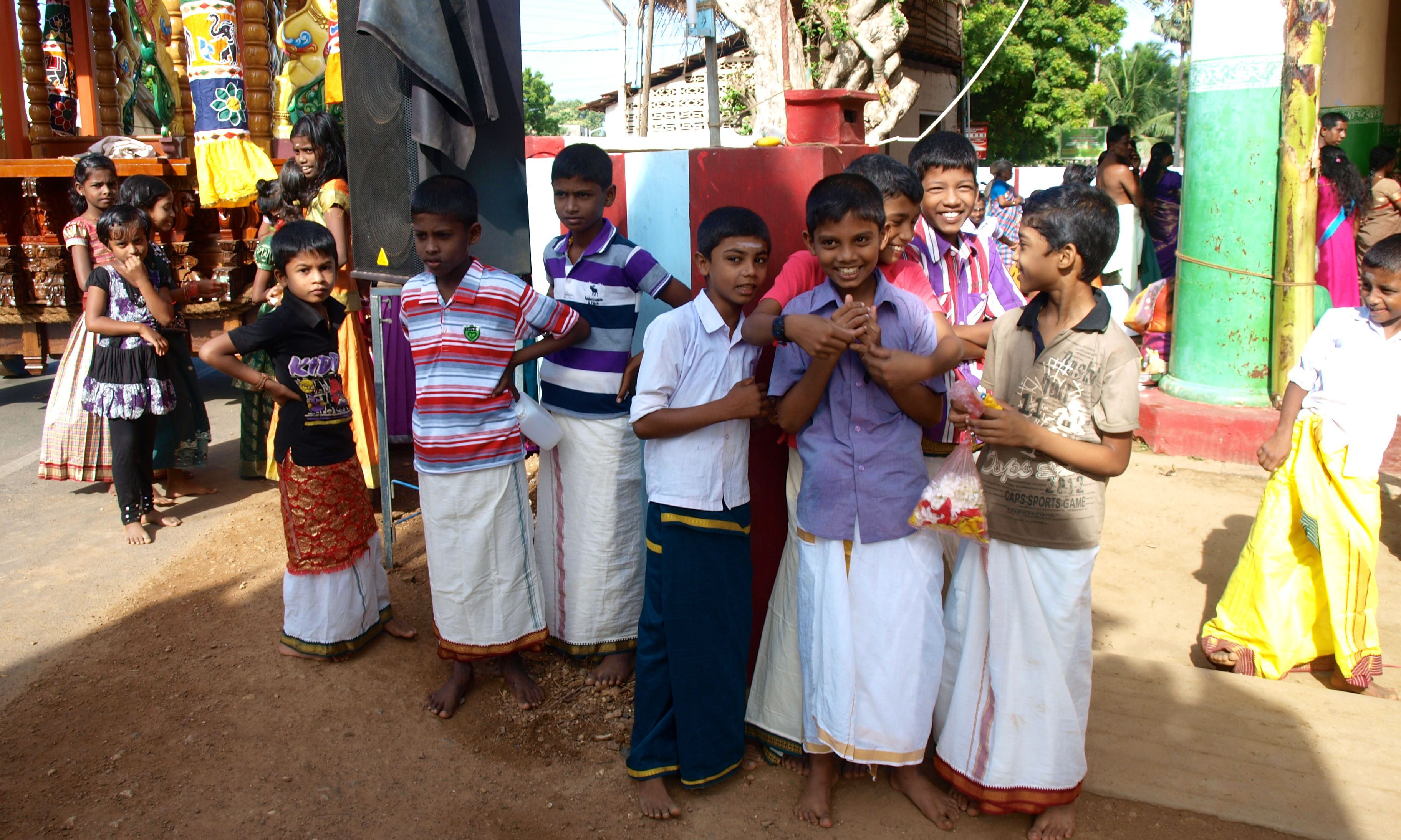 Local Children at the Hindu Festival in Jaffna, discover sri lanka