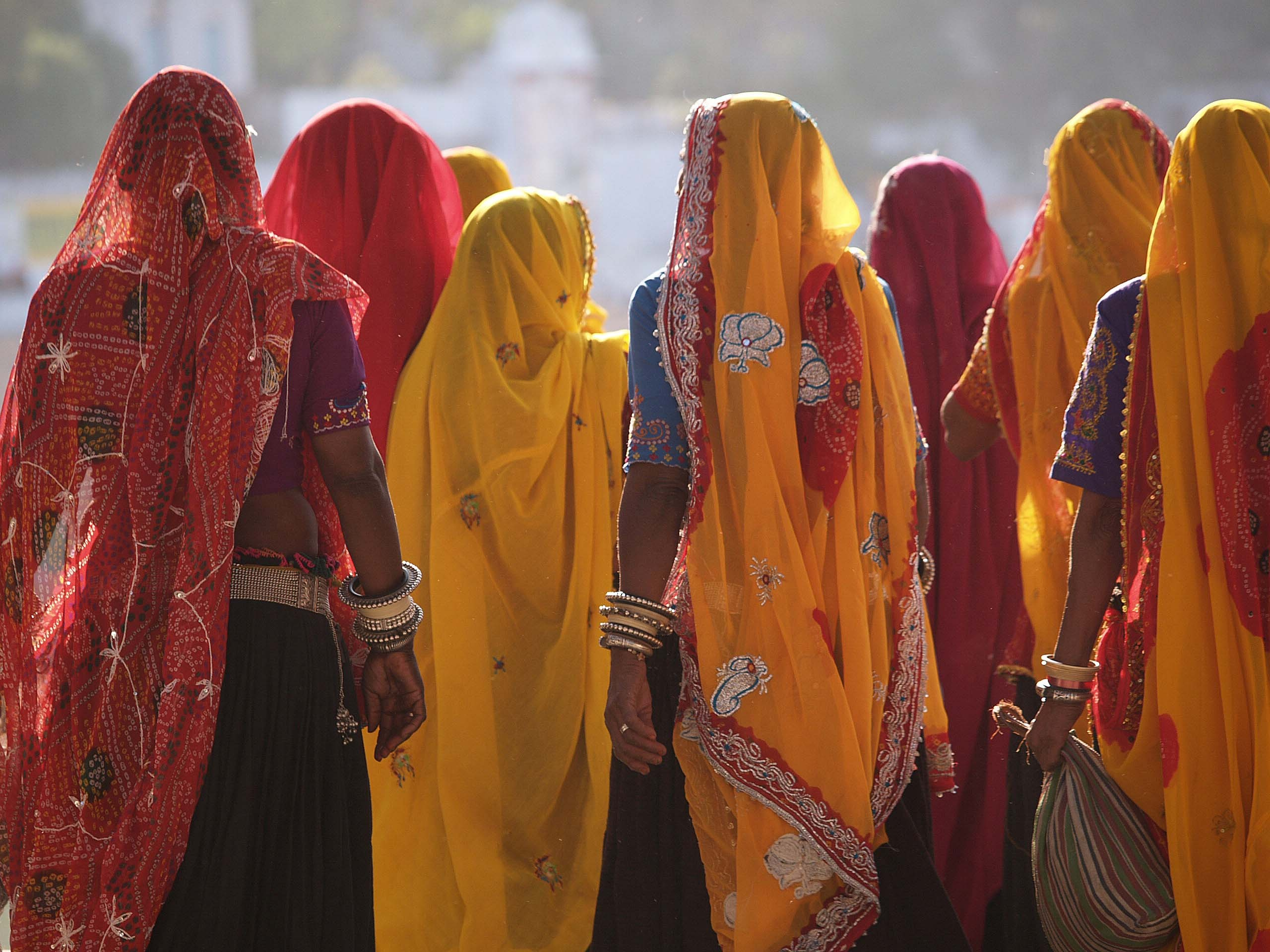 Local Ladies in Colourful Saris, golden triangle india