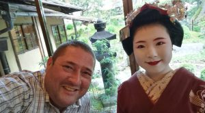 Lachlan meeting a Maiko in Kyoto, traditional japan