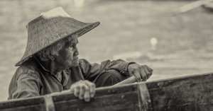 100-year-old woman off to the floating markets, travel photography