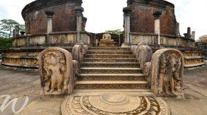 Ancient ruins of Polonnaruwa, tour Sri Lanka