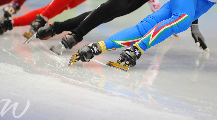 Speed Skating on a knifes edge, winter olympics