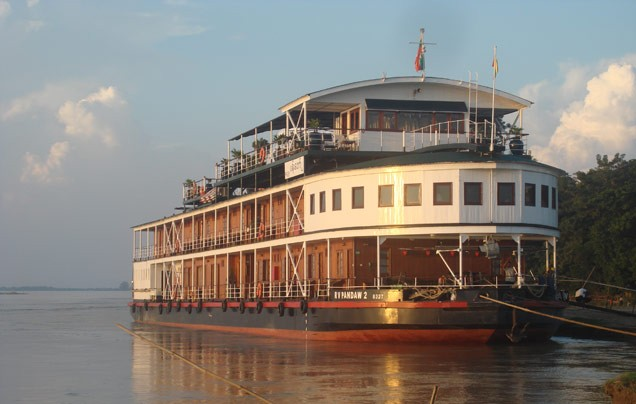 Day 5: Irrawaddy River cruise