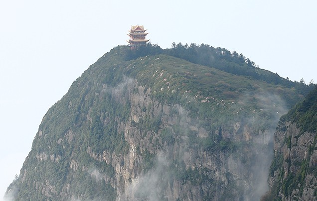 Day 3: Explore Mt. Emei